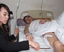 辽宁葫芦岛一名歹徒抢劫运钞车被擒[组图]