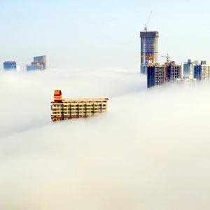连云港平流雾 城市似仙境[组图]