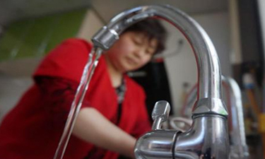 舆论关注成为饮用水安全战役导火索