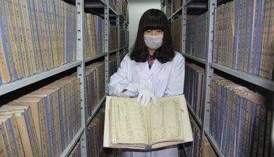 记者探访神秘档案库