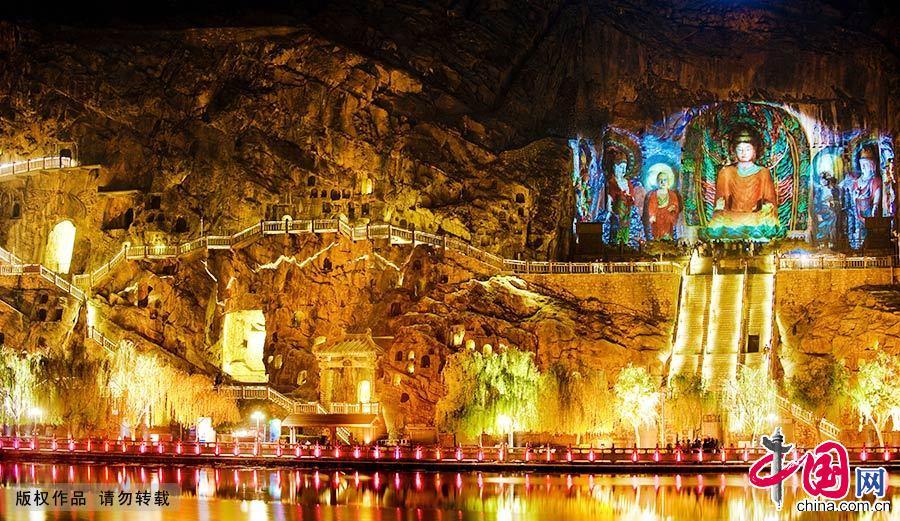 门石窟是中国石刻艺术宝库之一,位于洛阳市南郊伊河两岸的龙门山与香山上。