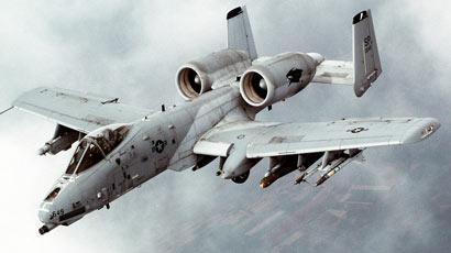 """A-10攻击机退役备受争议 美国议员强力""""挽留"""""""