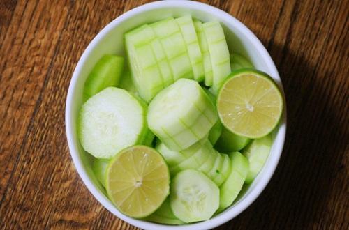 黄瓜和番茄不能一起吃 吃黄瓜8大饮食禁忌