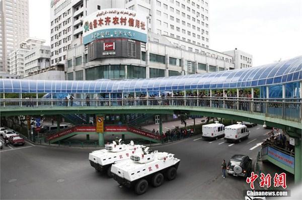 2014新疆阿克苏爆炸_新疆五月以来抓获200余名暴恐嫌犯_ 视频中国