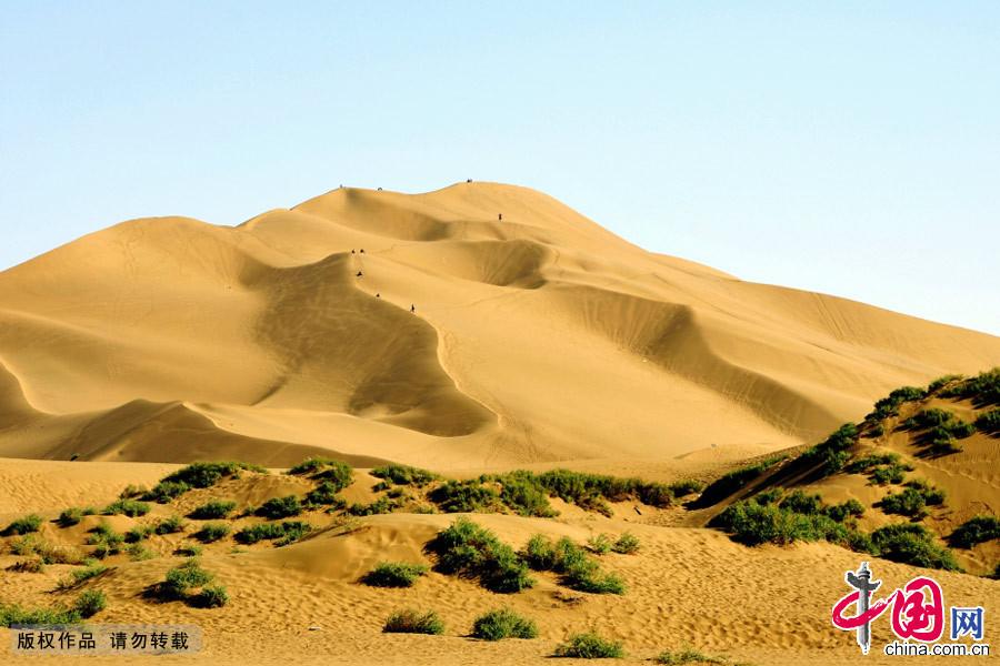 新疆哈密鸣沙山风光。