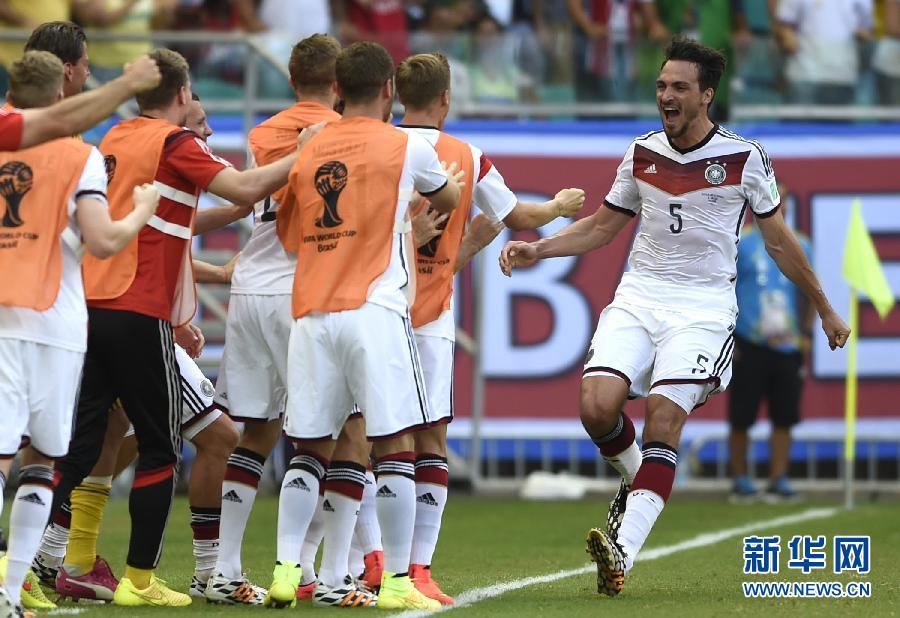(世界盃·進球時刻)(3)足球——小組賽G組:德國隊馬·胡梅爾斯頭球得分