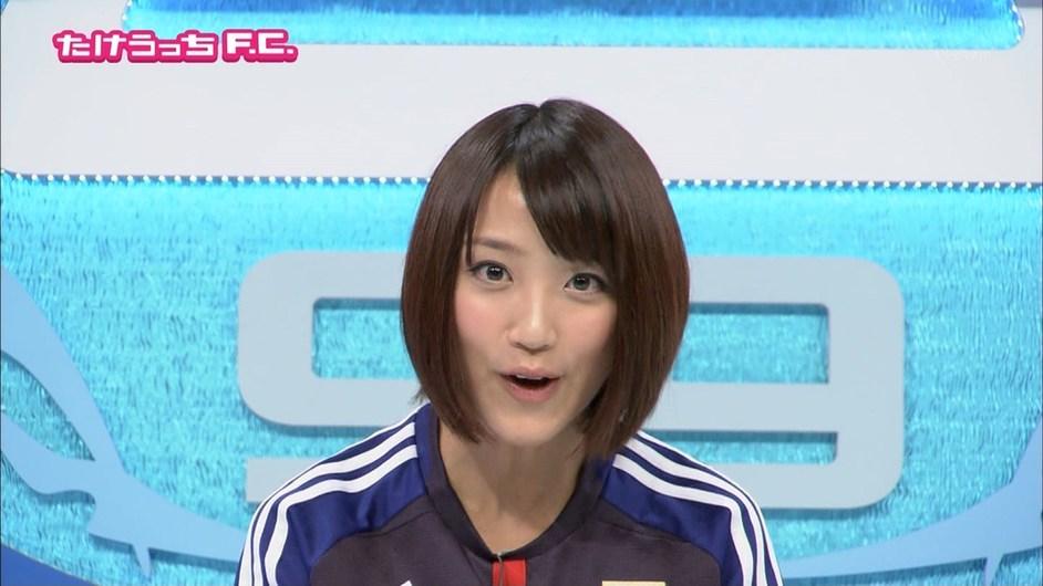 组图:走光女王领衔日本世界杯美女主播团