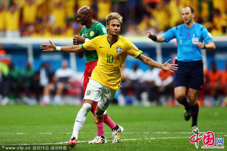2014巴西世界杯小组赛A组:喀麦隆Vs巴西,图为巴西球星内马尔进球图片