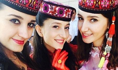 新疆反恐美女特警走红网络
