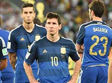 馬拉多納:梅西不配得金球獎 換上阿圭羅是敗筆
