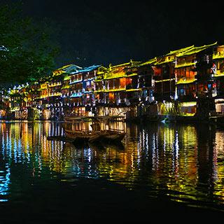 回顾凤凰古城迷人景色[组图]