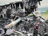 马航空难部分遇难者遗体运往顿涅茨克[组图]