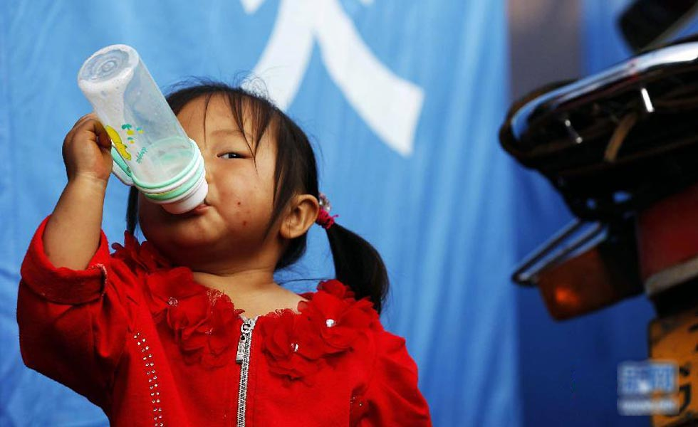 鲁甸地震:安置点的孩子们
