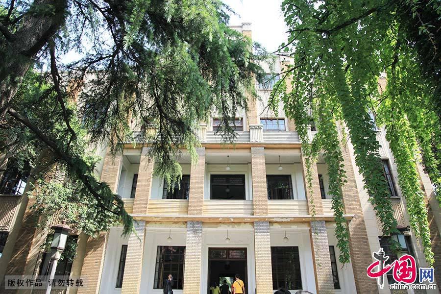 """子超楼""""是总统府的主要建筑,位于总统府中轴线北端,是原国民政府主席林森及官员们的办公楼。"""