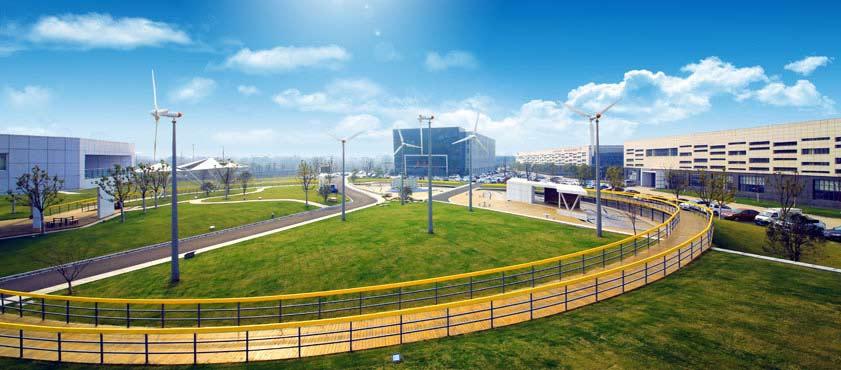 现代化的超威新能源主题广场