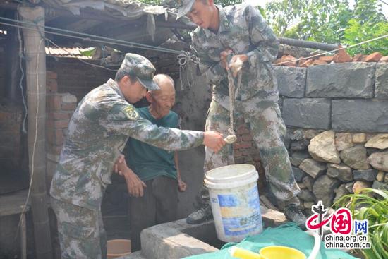 记者探访灵山岛驻岛部队生活02 感受军民鱼水情