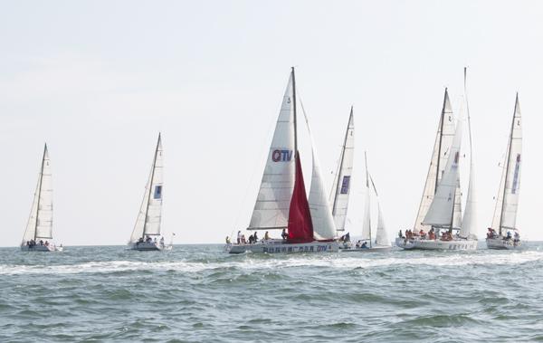 """青岛海洋节2014""""市长杯""""大帆船绕岛赛结束"""