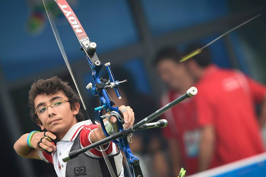 比赛:个人反曲弓选手射箭夺金韩国美女骑马[组中国男子举行全部视频图片