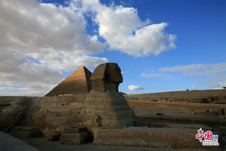 斯芬克斯与胡夫金字塔
