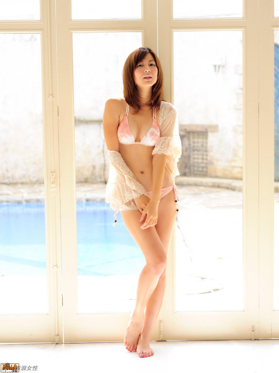 日本氧气美女杉本有美俏皮性感