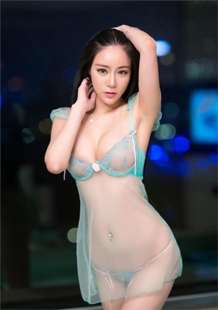 性感美女赤裸湿身诱惑写真