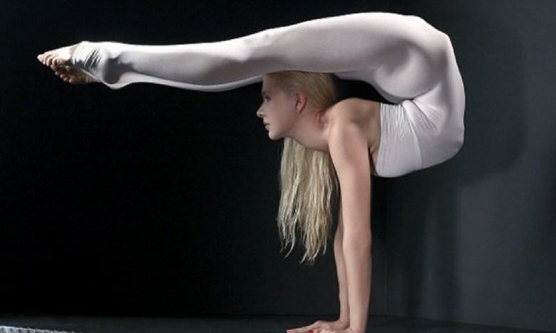 柔术美女迅速走红!挑战人类极限的软功