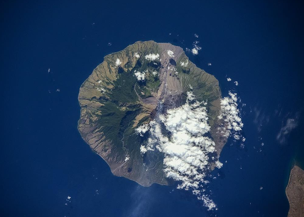 俄宇航员网上发布空中拍摄的壮观地球照片[组图]