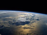 空间站宇航员发布令人惊叹地球表面震撼图像
