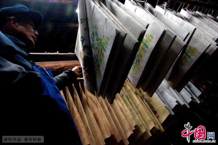 湖南隆回滩,印制的年画半成品。