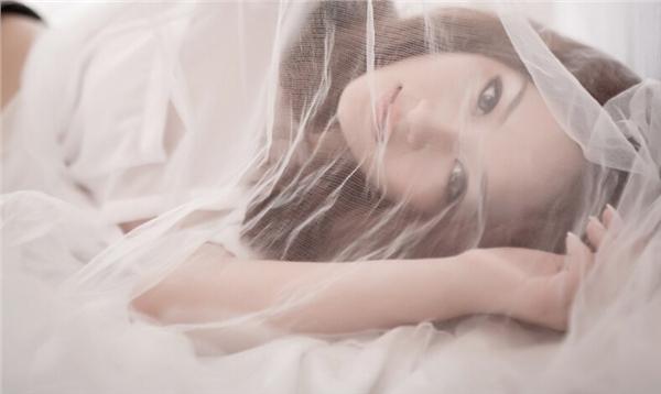 性感美女室内朦胧白纱遮挡写真