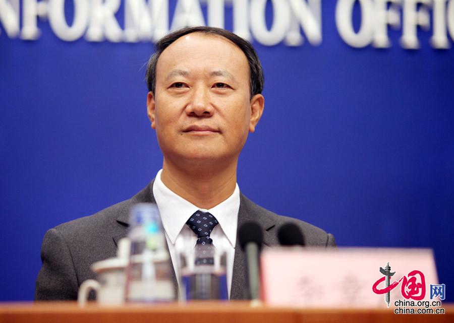 中国将确保取消下放行政审批事项含金量不断提高[组图] - 人在上海    - 中国新闻画报