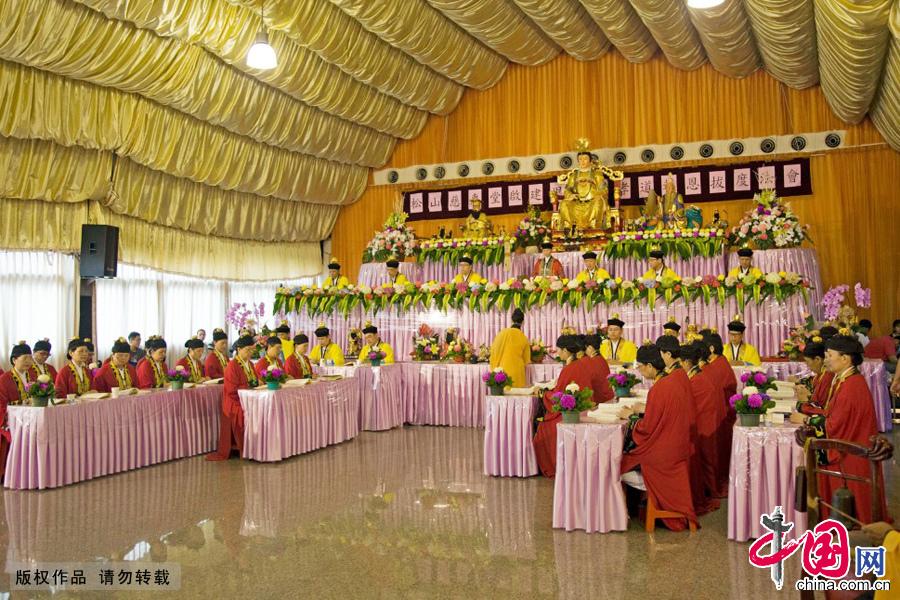 台湾台北市,松山慈惠堂,一年一度的瑶池金母大天尊(王母娘娘)圣诞孝道报恩超度法会。