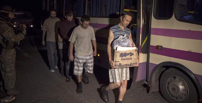 烏雙方交換俘虜:民間武裝釋放31人 烏軍交出36人