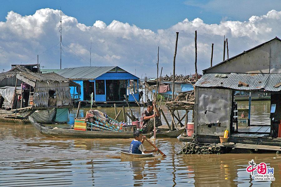 吴哥绽放(十三)洞里萨湖,浮在水上的村与云