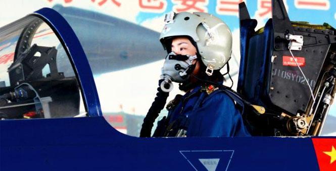 中國首批殲擊機女飛行員將首次亮相中國航展(組圖)