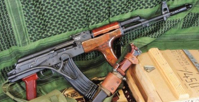 俄媒評20大AK47步槍變形 中國版AK47包攬前3