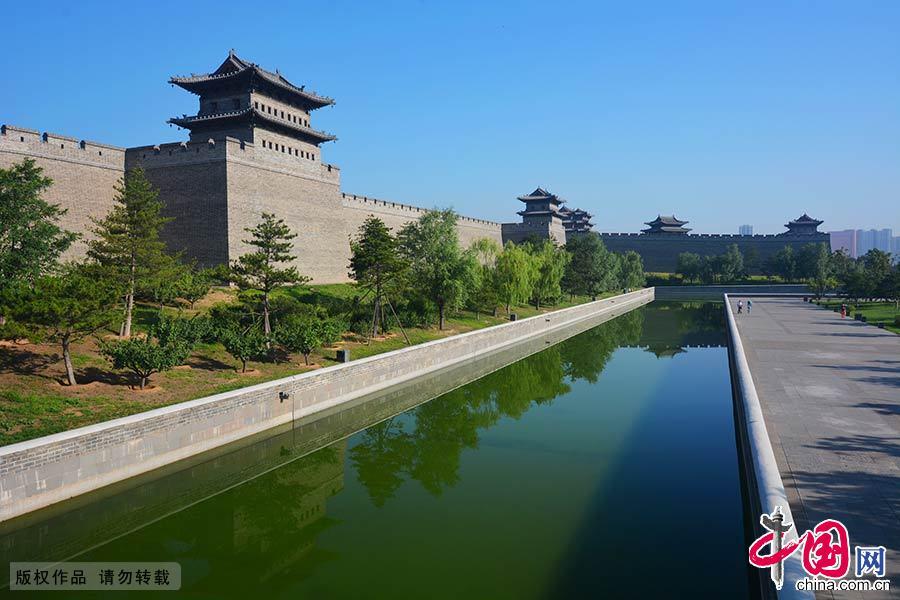 """山西大同古城,是国家首批历史文化名城,大同在历史上一直是北方中国的中心城市,素有""""三代京华,两朝重镇""""之称。中国网图片库 郑跃芳/摄"""