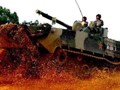 現場直擊:我軍七大軍區坦克大戰訓練秘照