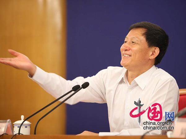 周望军_发改委就棉花目标价格改革试点和市场调控举行新闻发布会