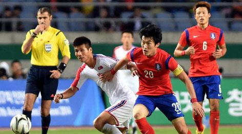 亚运会男足决赛:韩国队战胜朝鲜队夺冠