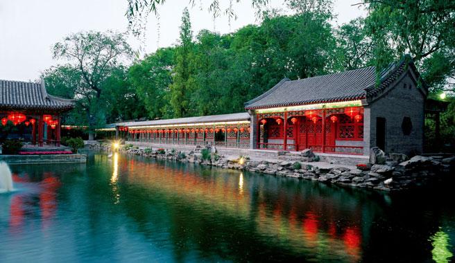 方塘水榭:新月河绕宅如龙蟠 灵气所钟之天