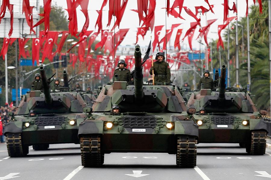 中国举行盛大阅兵式_土耳其举行阅兵式庆祝建国91周年[组图]_图片中国_中国网