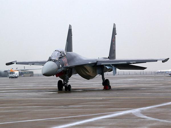 """实拍俄罗斯苏35""""超侧卫""""战机"""