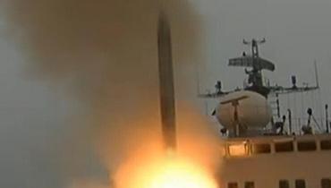 軍情24小時:疑似垂射版鷹擊18導彈擊碎靶船