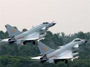 廣空航空兵兩代戰機同臺實戰化飛行訓練