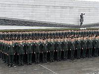 解放軍官兵在南京大屠殺遇難同胞紀念館舉行宣誓活動