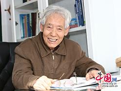 文圣常:中国海洋大学教授、中国科学院院士