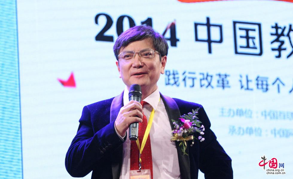 贵州大学校长郑强参加《高考改革元年 大学如何培养热销人才》论坛