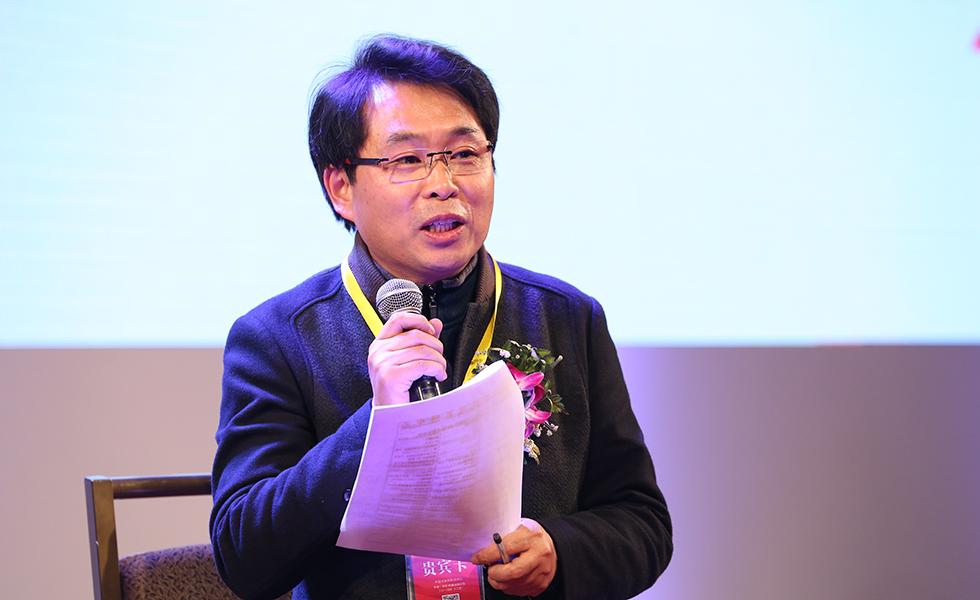翔宇教育集团的总校长卢志文:三座大山不改变 课堂就不能解放