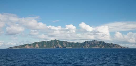 釣魚島正面全景照片.jpg